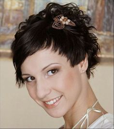 "40 Best Short Wedding Hairstyles That Make You Say ""Wow!"" bridal hairstyle for short hair Wedding Hairstyles For Women, Popular Short Hairstyles, Bride Hairstyles, Headband Hairstyles, Hairstyles Haircuts, Short Bridal Hair, Headbands For Short Hair, Elegant Wedding Hair, Vintage Wedding Hair"