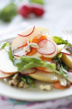 @bron marshall Apple, Carrot and Radish Salad -- mmm...lunch!