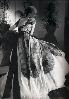 Schiaparelli gown, Haper's Bazaar September 1939