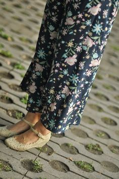 Outfit: Butterfly Brooch with Floral Print Skirt ~ Style Whimsical