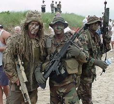 The Navy SEALs are the U. Navy's primary special operations force. Like the British SAS, this force dates back to World War II. Military Special Forces, Military Veterans, Military Life, Usmc, Marines, Gi Joe, Go Navy, Us Navy Seals, Navy Sailor