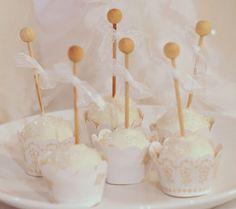 Valentine Cake Pops | Confetti Couture Blog