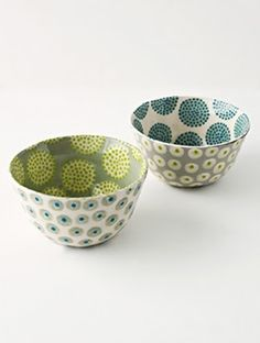 I like these bowls by Katrin Moye, the colour combo's are lovely as well as her use of pattern both in and outside the vessels