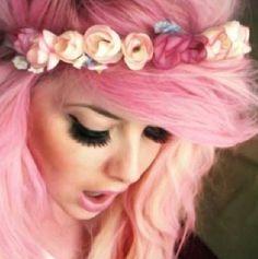Sugar mountain pink hair + flower headband + lashes
