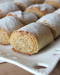 It& so simple, but it& a sweet dessert that eats its taste. Easy Cake Recipes, Sweet Recipes, Dessert Recipes, Sweet Desserts, Delicious Desserts, Yummy Food, Recipe Mix, Food Words, Turkish Recipes