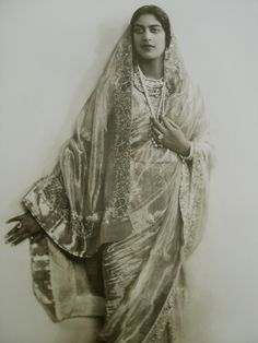 Rani Amrit Kaur was the only daughter of Maharaja Jagatjit Singh of Kapurthala by his third wife or possibly his fifth wife, Rani Prem Kaur (aka Anita Delgado). Amrit Kaur received her education in UK and France and was married to the Raja of Mandi in Modern Sari, Royal Indian, Indian Costumes, Vintage India, India People, Vintage Bollywood, History Of India, Vintage Photography, Indian Dresses