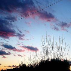 電線が邪魔かもな夕空  #空 #夕空 #夕焼け #雲 #寒い #japan #sky #evening #sunset #landscape #scene #sunnyday #clouds #winter