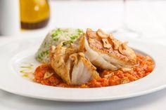 Bacalhau do Zé, com purê de tomate e arroz de brócolis