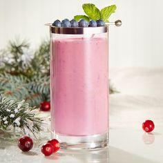 Cocktails de Noël: boissons avec ou sans alcool   Metro Tuna Salad Pasta, Lactose Free Milk, Frozen Fruit, Food Categories, Recipe Details, Cocktails, Creme Brulee, Home Recipes, Mixed Drinks