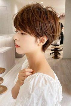 Short Hair Cuts For Women, Short Cuts, Asian Bob Haircut, Shot Hair Styles, Hair Designs, Salons, Hair Beauty, Hairstyle, Makeup