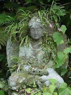 amitabha or amida nyorai, the buddha of infinite light or infinite life . one of eight buddhist protectors of the chinese/japanese zodiac ~ stone carving from the early kamakura period Moss Garden, Garden Art, Garden Statues, Garden Sculpture, Bonsai, Art Buddha, Sacred Garden, Spiritual Garden, Tropical Garden