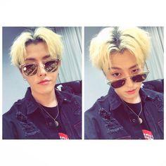 """uk_530 썬구리썬구리 #BVH "" "" uk_530 Sseonguri sseonguri #BVH (T/N: He's playfully playing on the pronunciation of ""sunglasses"") Translation by beesubs """