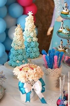 45 ideas for birthday party frozen decoration food ideas Frozen Birthday Theme, Frozen Theme Party, Birthday Party Themes, Frozen Cake, Olaf Frozen, Frozen Disney, Frozen Party Decorations, Birthday Decorations, Candy Bar Frozen