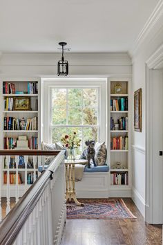 A Traditional New England Colonial - Old House Journal Magazine Traditional Interior, Traditional House, Interior Design Traditional, Colonial Home Decor, New England Homes, New England Decor, New England Bedroom, New England Kitchen, New England Cottage