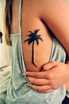What does palm tree tattoo mean? We have palm tree tattoo ideas, designs, symbolism and we explain the meaning behind the tattoo. Side Tattoos, Body Art Tattoos, New Tattoos, Tribal Tattoos, Cool Tattoos, Tatoos, Awesome Tattoos, Back Tattoo Women, Tattoos For Women