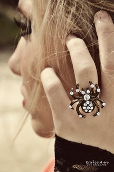 love the spider ring