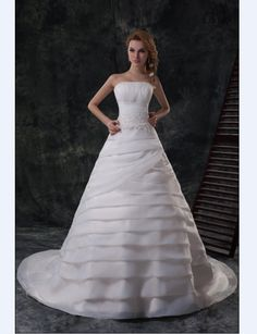 I really love this, despite both the dress and the model looking like wedding toppers.