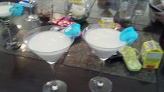 Easter has come and passed, but we wanted to share with you a recipe we tried at TCNH (Team Cocktail North Headquarters) last night. It is a marshmallow vodka martini, which was inspired by this recipe by Vodka. Since we couldn't find al Easter Drink, Easter Cocktails, Cocktails To Try, Vodka Martini, Martinis, Marshmallow Vodka, Chats Recipe, Food And Beverage Industry, Beverages