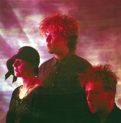 When Cocteau Twins released their sixth album, Blue Bell Knoll, in critics hailed it as a major step forward for the abstract pop trio. Members Simon Raymonde and Robin Guthrie discuss the classic album. Cocteau Twins, Cute Goth, Punk Looks, Nina Hagen, Cool Album Covers, Dream Pop, Indie Scene, Music Aesthetic, Music Magazines