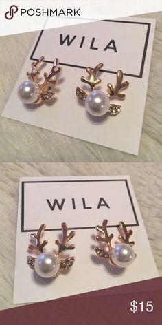 Wila Golden Reindeer Earring - SALE!!!! Wila Golden reindeer earring. Pearl in the center, with golden antlers and ears. Light earrings. Perfect for the winter season. BRAND NEW!!! SALE!!!!! WILA Jewelry Earrings