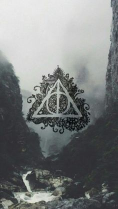 Image uploaded by Lily Robledo. Find images and videos about wallpaper, harry potter and hogwarts on We Heart It - the app to get lost in what you love. Harry Potter Tumblr, Harry Potter World, Mundo Harry Potter, Harry Potter Love, Harry Potter Universal, Harry Potter Fandom, Hogwarts, Slytherin, Harry Potter Lock Screen