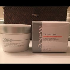 30 pads to use every other day morning or night. Improves skin texture, sun damage, Fine lines, radiance and acne marks. Acne Marks, Glycolic Acid, Avon, Clinic, Texture, Night, Makeup, Surface Finish, Make Up