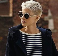 Very Short Pixie Cuts - Pixie Haircut Gallery Tips You Should Know Before Getting a Very Short Pixie Cuts with the help of Pixie Haircut Gallery 2019 and ideas about How to Maintain a Pixie Cut at Home? Super Short Hair, Short Grey Hair, Short Hair Cuts, Pixie Cuts, Short Pixie Haircuts, Pixie Hairstyles, Cool Hairstyles, Corte Y Color, Short Styles