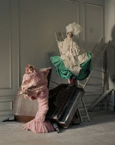 Stella Tennant & Imogen Morris-Clarke, Howick Hall, Northumberland, UK, 2010, Italian Vogue