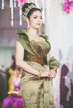 Khmer Wedding, Traditional Wedding, Corsets, Cambodia, Asia, Blouses, Couples, Womens Fashion, Dresses