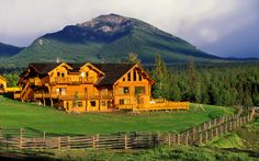 Find log homes and log cabins for sale in the USA Log Cabin Home Kits, Log Cabin Homes, Log Cabins, Luxury Cabin, Luxury Homes, Asheville, Log Homes For Sale, Colorado Cabins, Home Exchange