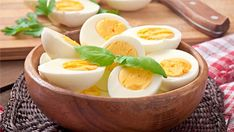 500 Calories A Day, Snacks Under 100 Calories, Diet And Nutrition, Perfect Boiled Egg, Post Workout Snacks, Omelettes, Nutritious Snacks, Boiled Eggs, Food Items