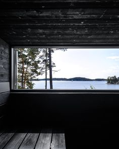 Wooden house and sauna in Raasepori, Finland. All attention is drawn to the beautiful seascape. Sauna House, Sauna Room, Sauna Design, Design Design, Natural Swimming Pools, Natural Pools, Spa Interior, Interior Design, Summer Cabins