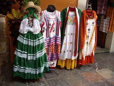 Vestidos típicos regionales de Oaxaca by martin, punto de vista, via Flickr