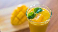 Herkullinen mango-banaani-inkiväärismoothie on terveellisten ainesosiensa vuoksi mitä parhain alku onnistuneelle päivälle. Katso videolta, kuinka smoothie valmistuu!