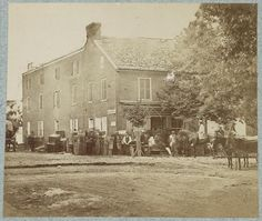 Photo of the Sanitary Commision HQ in Gettysburg Note all the packing boxes waiting to be taken away! They were there for months and months, ensuring the last wounded were cared for and sent on to other hospitals in DC or Philly. Mystery Of History, Us History, American Civil War, American History, Gettysburg Battlefield, Civil War Photos, Interesting History, Old West, Civilization