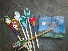 Room on a broom double sided hand painted story spoons Vbs Crafts, Doll Crafts, Crafts For Kids, Wooden Spoon Crafts, Wooden Spoons, Painted Spoons, Nursery Activities, Preschool Activities, Literacy Display