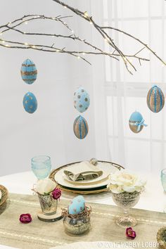 Last minute Easter table decor? These beautiful eggs are fun and festive at the same time!