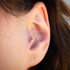 Tragus Piercing Jewelry, Tragus Earrings, Tragus Piercings, Body Piercings, Big Earrings, Piercing Tattoo, Ear Peircings, Cool Ear Piercings, Tatoo