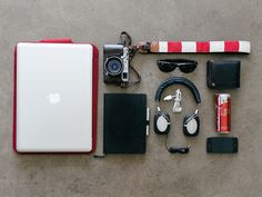 30 Inspiring Examples of Knolling Photography