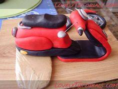 мотоцикл из мастики -how to make fondant gumpaste motorcycle - Мастер-классы по украшению тортов Cake Decorating Tutorials (How To's) Tortas Paso a Paso