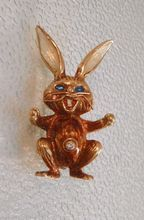 Gold Rabbit or Bunny Pin with Diamond and Enamel from Charmed Life Collectibles Antique Decor, Antique Jewelry, Vintage Jewelry, Vintage Costume Jewelry, Vintage Costumes, Vintage Shops, Vintage Items, Garnet Jewelry, Trendy Accessories