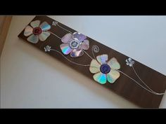 Beautiful Wall Decoration Using CD With Amazing Colors Old Cd Crafts, Diy Home Crafts, Yarn Crafts, Recycled Cds, Recycled Crafts, Handmade Crafts, Cd Diy, Art N Craft, Diy Art