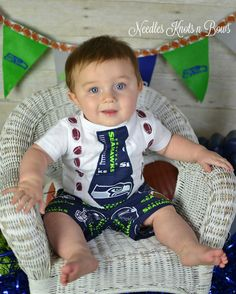 Seattle Seahawks, Seahawks Football, Football Boys, Kids Soccer, Baby Boy Games, Baby Boys, Coming Home Outfit Boy, Football Outfits, Baby Shower Gifts For Boys