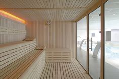 La sauna finlandesa línea Selecte de Inbeca Wellness Equipment Saunas, Locker Designs, Finnish Sauna, Truck Interior, Steam Room, Gym Design, Wellness Spa, Jacuzzi, Bunk Beds
