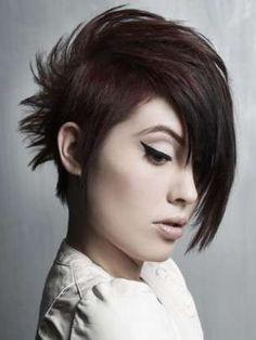 I tagli capelli corti più estremi - Taglio corto a cresta