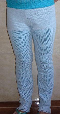 calça em croche forrada em tecido tamanho M
