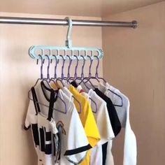 Closet Bedroom, Closet Space, Organizar Closet, Clothing Hacks, Clothing Items, Closet Rod, Closet Hangers, Closet Organization, Clothing Organization