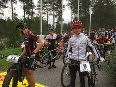 Rokua MTB kilpasarjat startissa. Rokua MTB maastopyöräilytapahtuma 20.8.2016, Rokua Health & Spa Hotel, Suomi Finland.