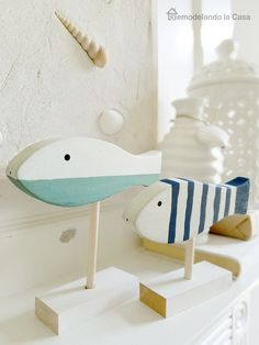 Remodelando la Casa: Summer Mantel with Seashells On the Beach Artwork