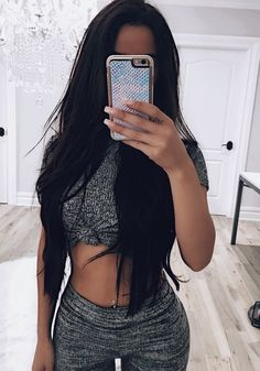 Image uploaded by Pleasing TT Eye. Find images and videos about hair, beauty and outfit on We Heart It - the app to get lost in what you love. Fashion Mode, Fashion Killa, Fashion Beauty, Womens Fashion, Fashion Hair, Fashion Black, Fasion, Style Fashion, Fashion Outfits
